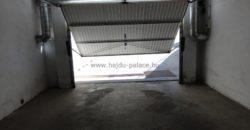 Garázst, vagy kiadó gépkocsi beállót keresünk Hajdúszoboszlón Rákóczi udvarházban