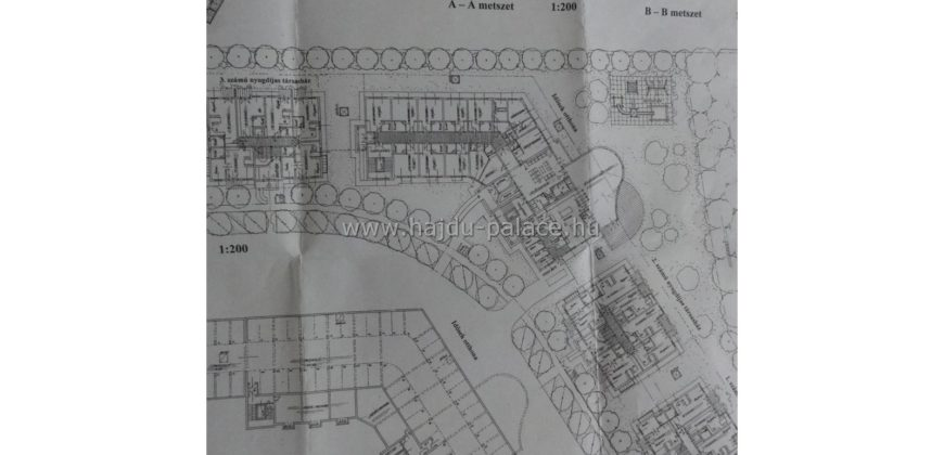 """Eladó """"Idős gondozási Központ"""" projekt: Hajdúszoboszlón 6761 m2 nyugdíjas lakóparknak szánt terület"""