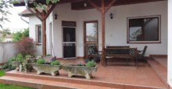 Hajdúszoboszlón sarok telken eladó 2005-ben épült 150 m2-es családi ház