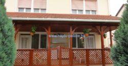 Hajdúszoboszlón eladó ikres építésű, külön bejáratú emeletes 2 lakásos társasház