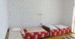 Hajdúszoboszlón üdülőövezetben, tetőteres, üdülőből átminősített lakóház eladó