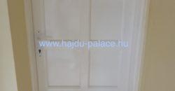 Kellemes, felújított dupla bejáratú családi ház eladó Hajdúszoboszlón