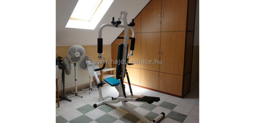 Hajdúszoboszlón stúdió apartmanház eladó